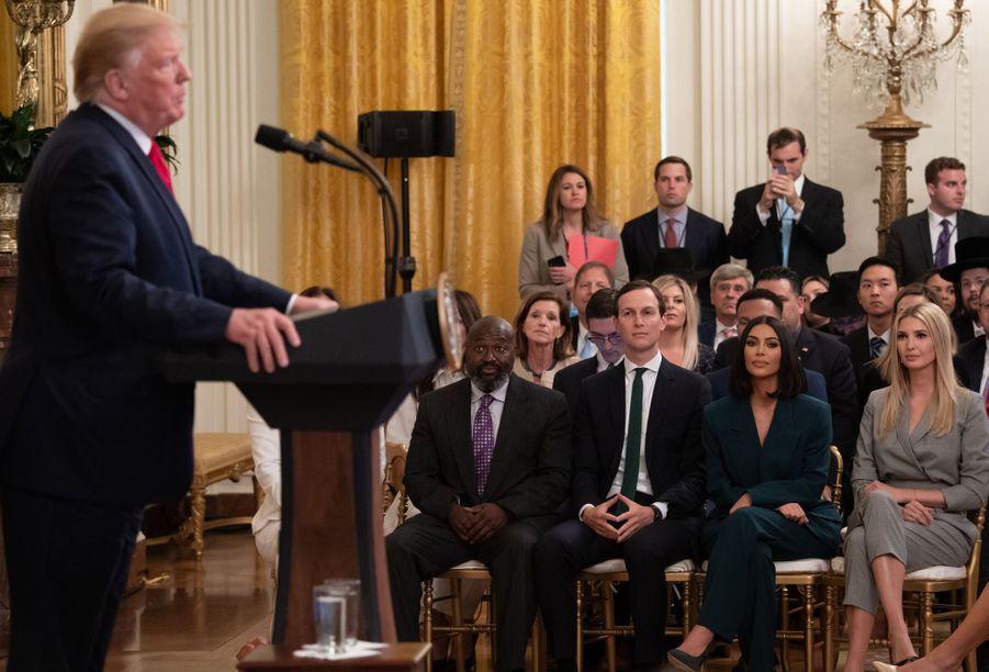 Donald Trump présentant Kim Kardashian pour un discours sur la réforme de la justice pénale à la Maison-Blanche le 13 juin 2019