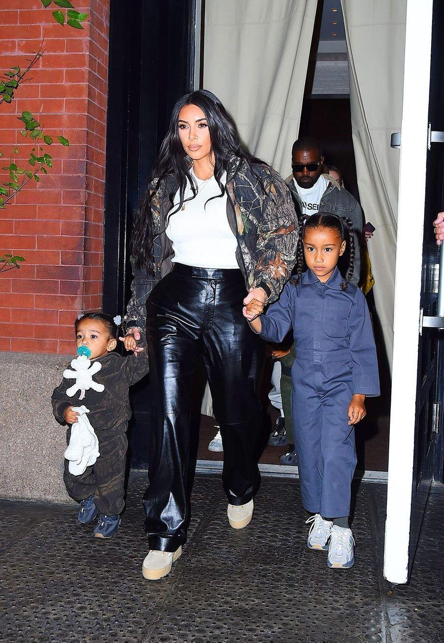 Kim Kardashian, Kanye West et leurs enfants Chicago et North à New York le 29 septembre 2019