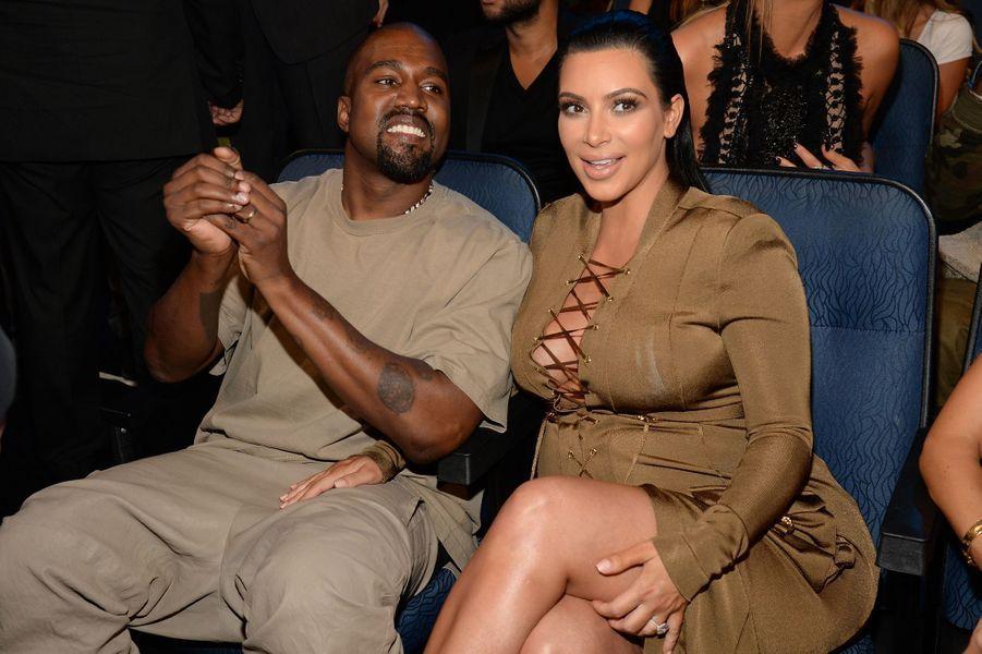 Kanye West et Kim Kardashian aux MTV Video Music Awards à Los Angeles en août 2015