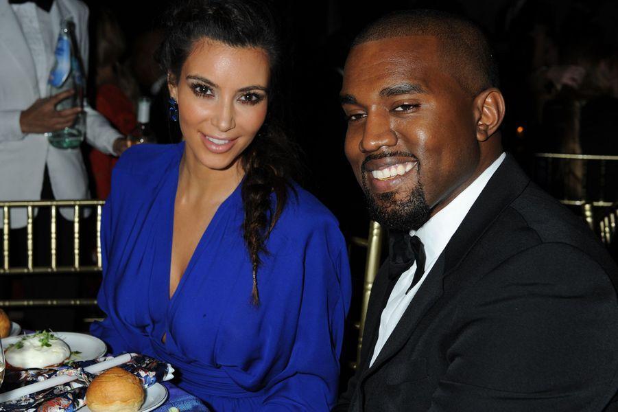 Kim Kardashian et Kanye West lors d'un gala à New York en octobre 2012