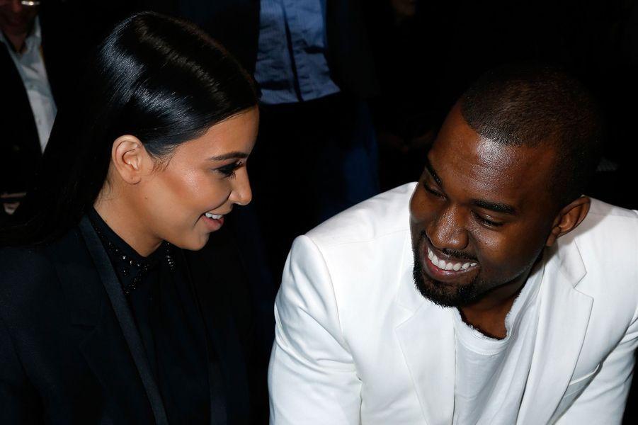 Kim Kardashian et Kanye West à Paris lors de la Fashion Week en mars 2013