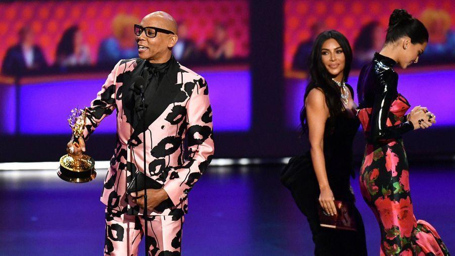 RuPaul,Kim Kardashian et Kendall Jenner lors de la cérémonie des Emmy Awards à Los Angeles le 22 septembre 2019