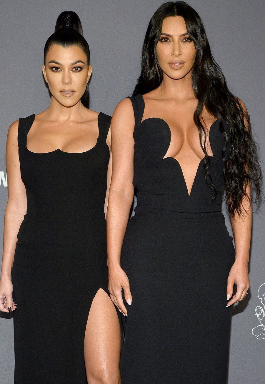 Kourtney et Kim Kardashian au gala de l'AmfAR mercredi à New York