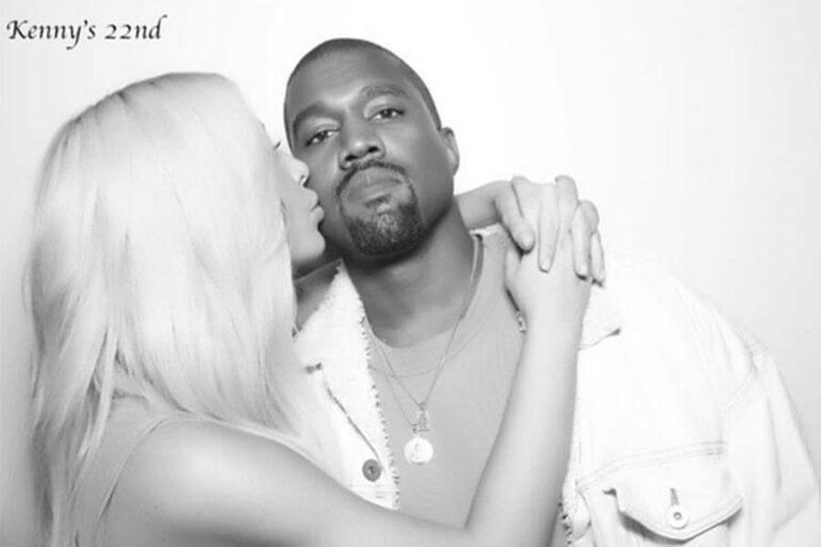 Kim Kardashian et Kanye West à l'anniversaire de Kendall Jenner