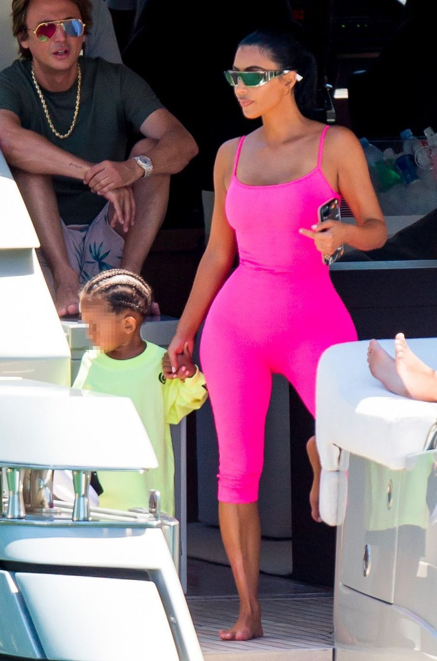 Kim Kardashian et son fils Saint à Miami, jeudi 16 août