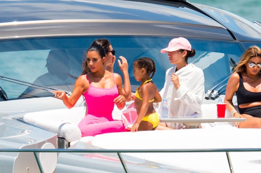 Kim Kardashian et North à Miami