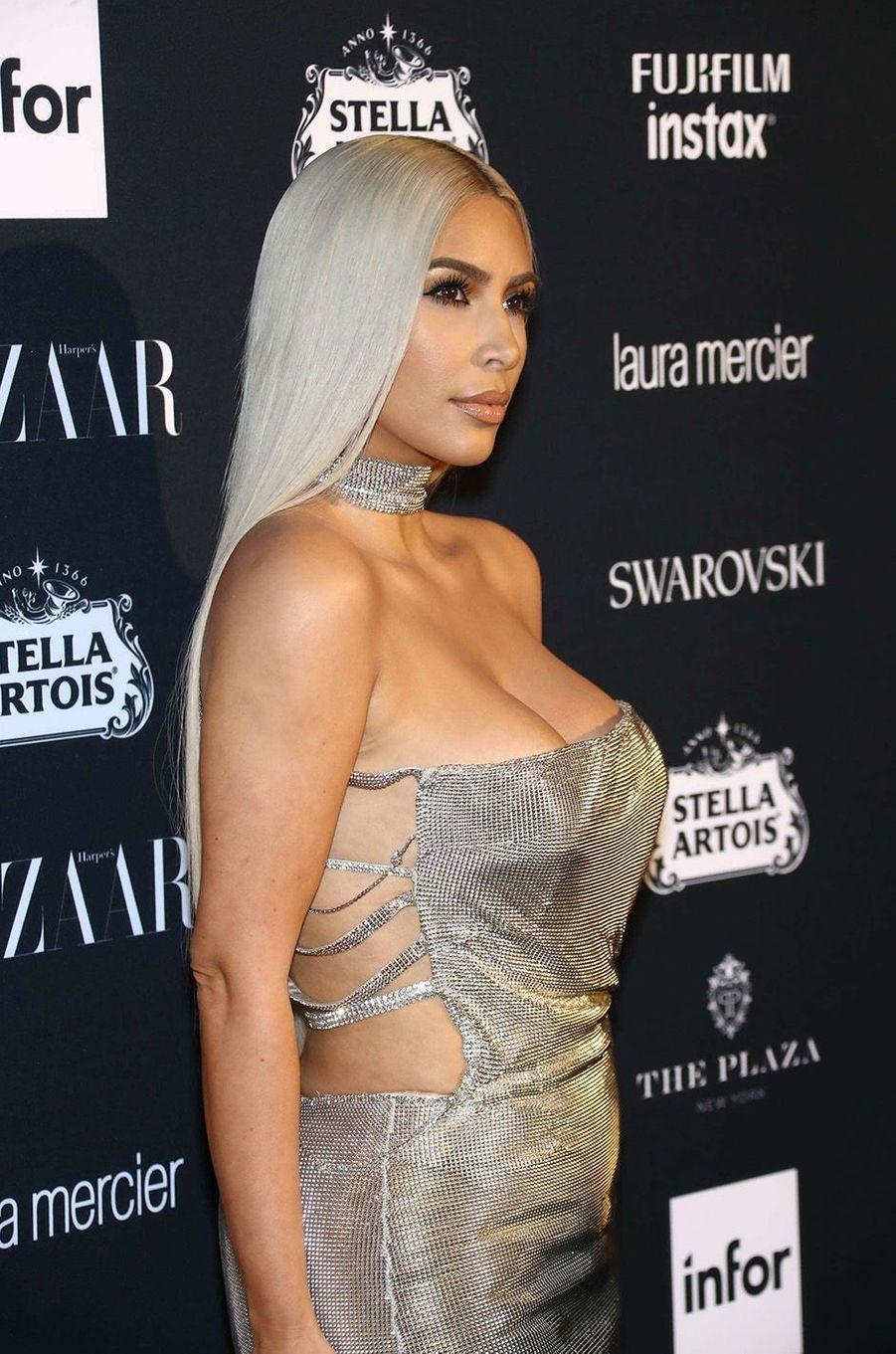Kim Kardashian lors de la soirée Harper's Bazaar Icons Party.