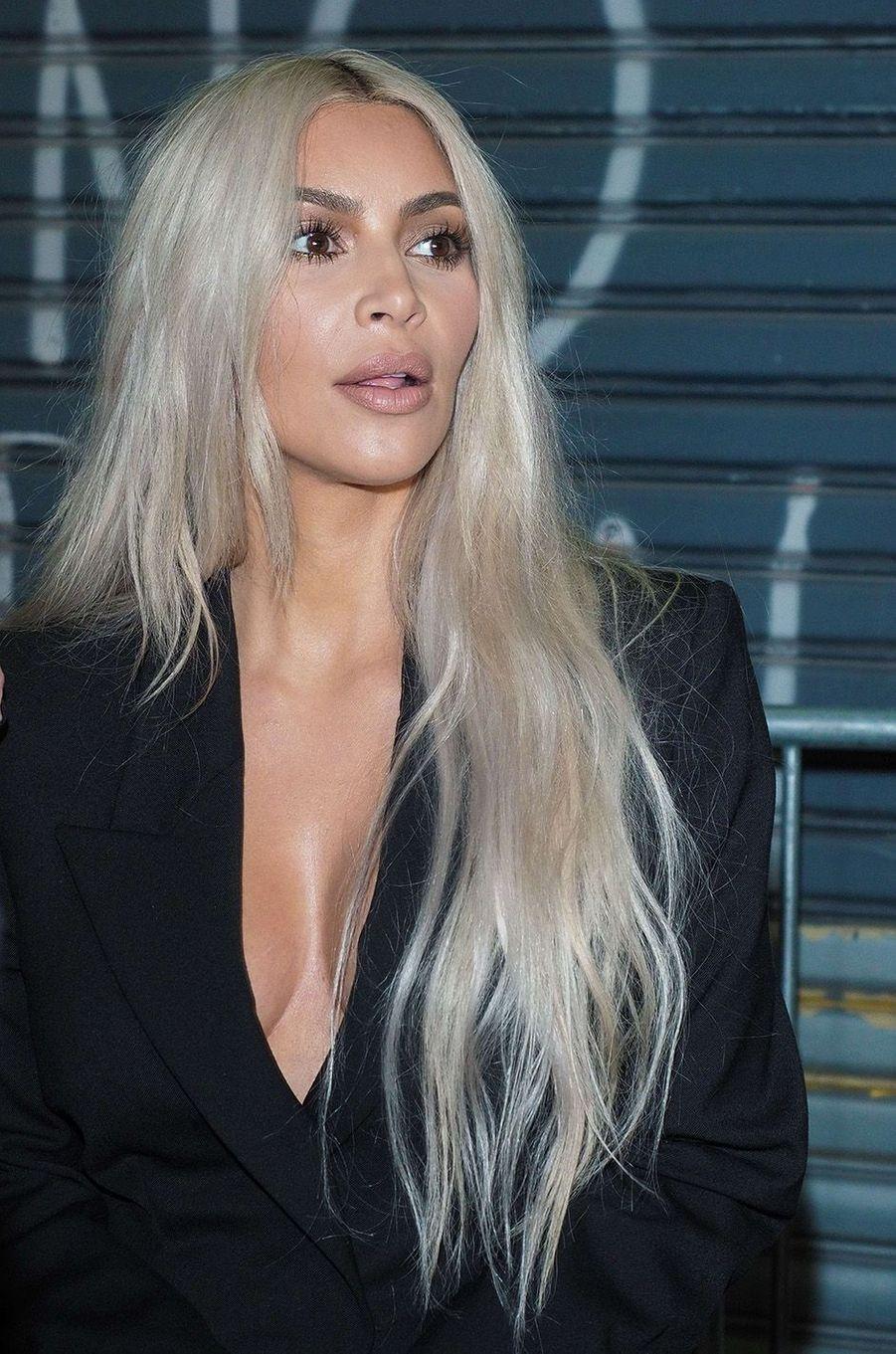 Kim Kardashian lors du défilé Alexander Wang.