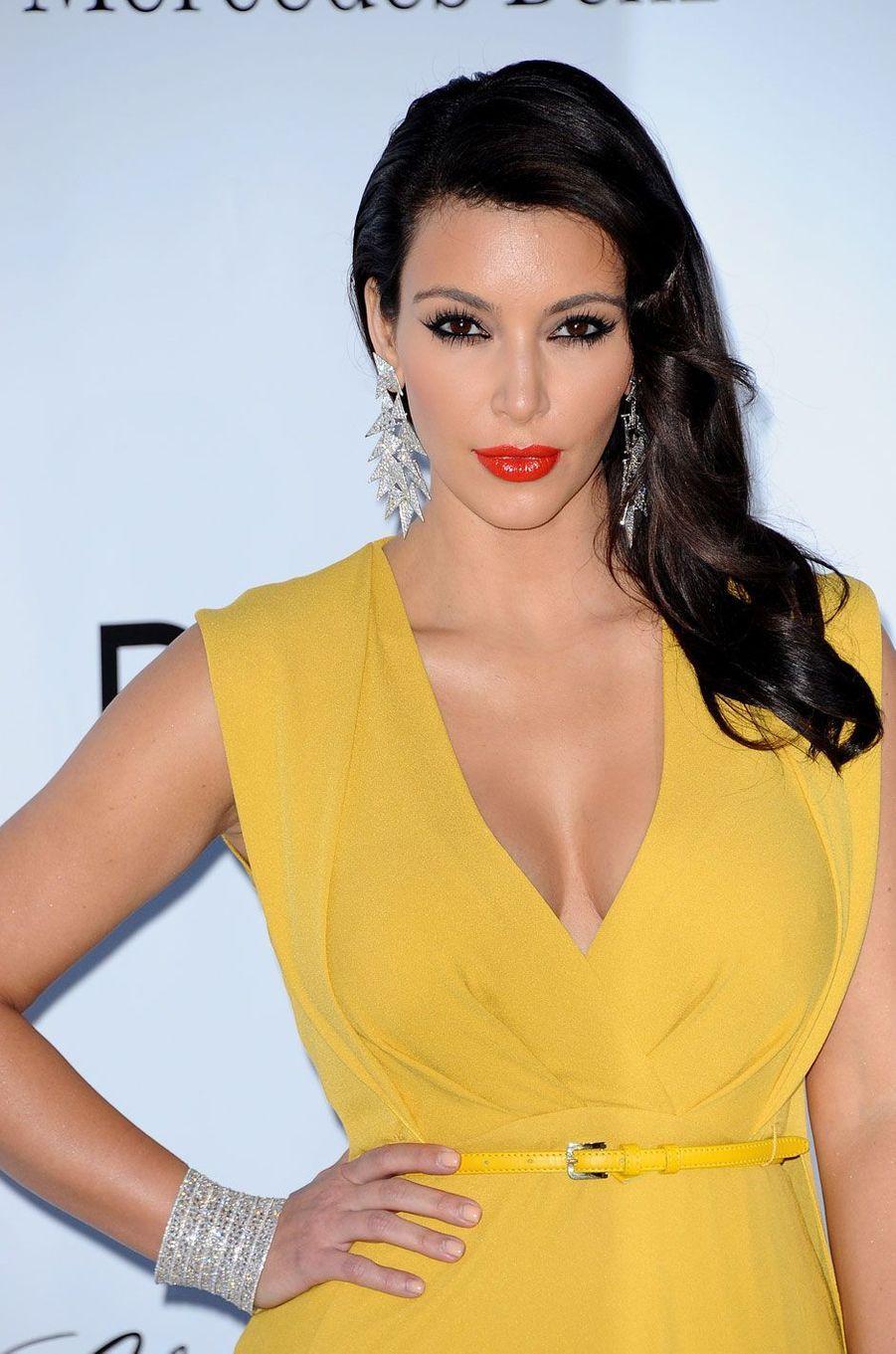 Kim Kardashian s'est fait voler pour 10 millions d'euros de bijoux alors qu'elle était à Paris