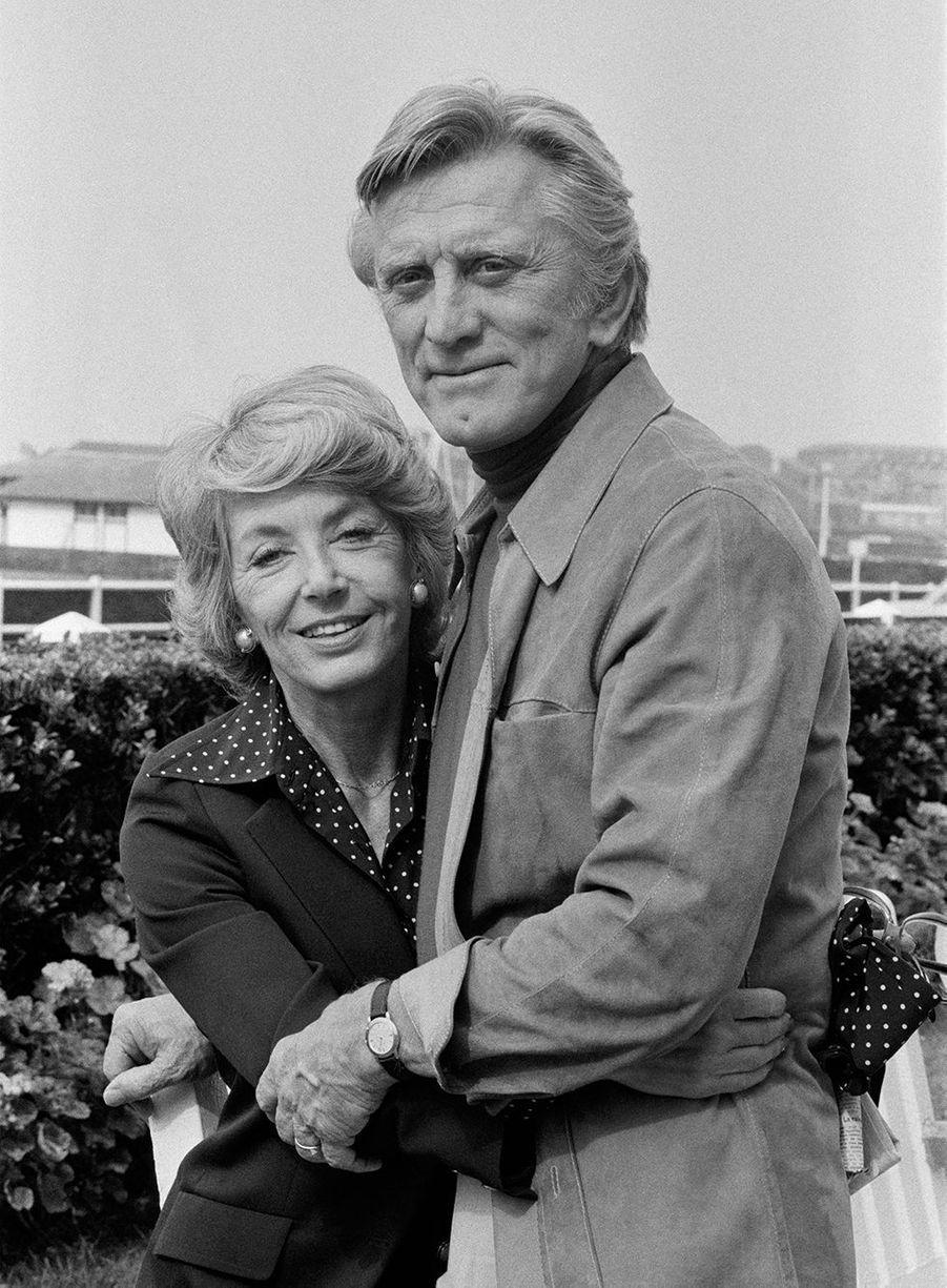 Kirk Douglas et son épouse Anne à Deauville en France en1978.