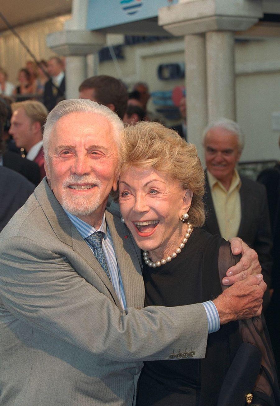 Kirk Douglas et sa femme Anne au Festival de Deauville en 1999.