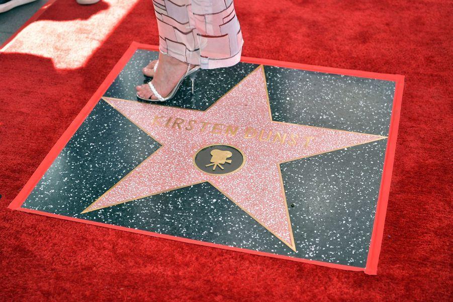 Kirsten Dunst inaugure son étoile à Hollywood