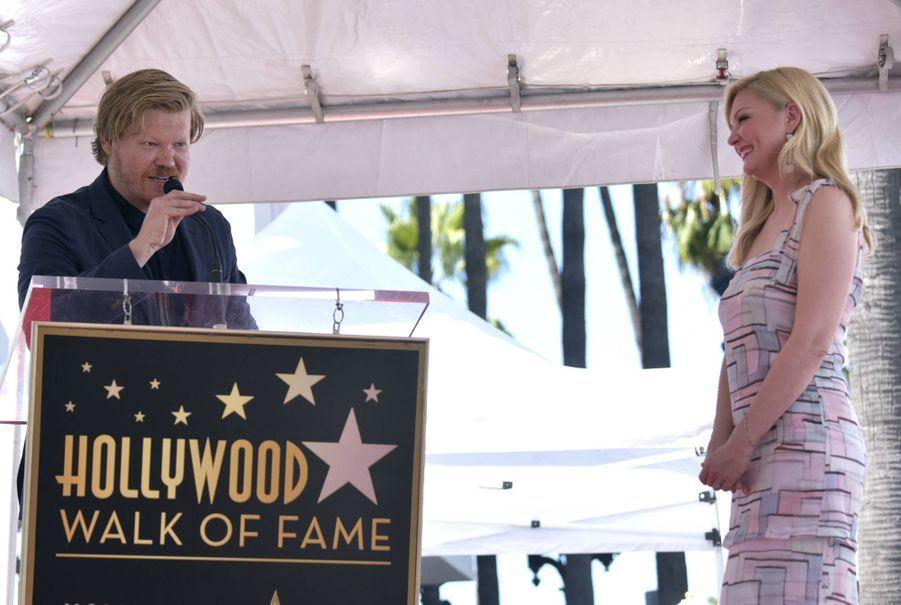 Jesse Plemons rend hommage à Kirsten Dunst dans un émouvant discours
