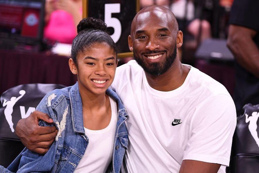 Kobe Bryant avec sa fille Gianna lors du match WNBA All Star à Las Vegas en juillet 2018