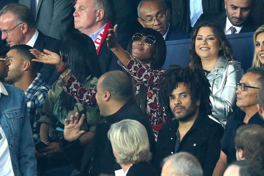 Naomi Campbell et Lenny Kravitz dans les tribunes du Parc des Princes