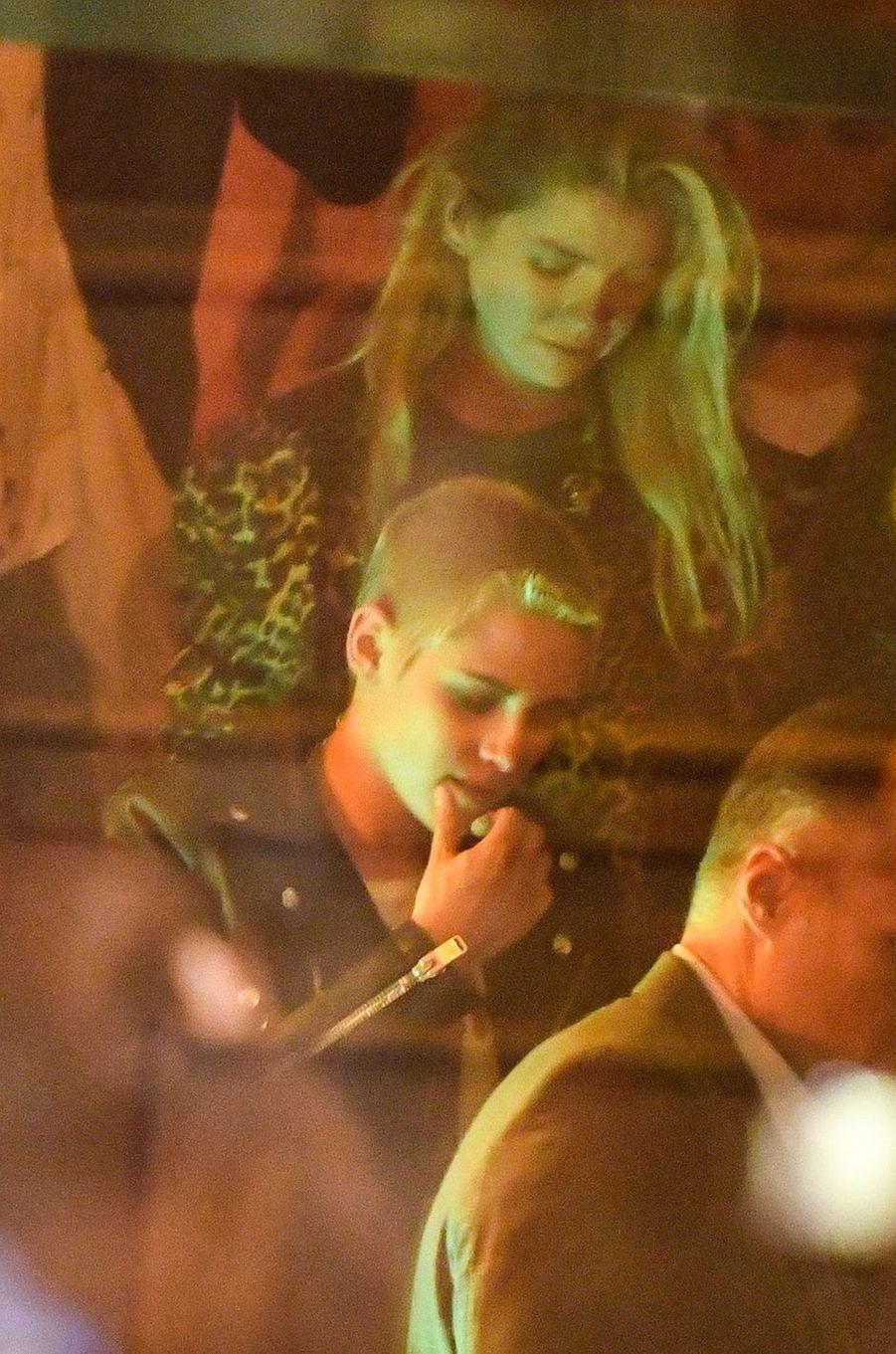 Kristen Stewart et Stella Maxwell : une escapade à Paris