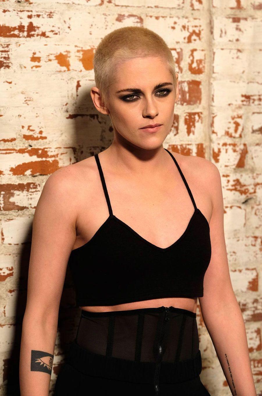 """Kristen Stewart lors de l'avant-première de """"Personal Shopper"""" à Los Angeles, mars 2017."""