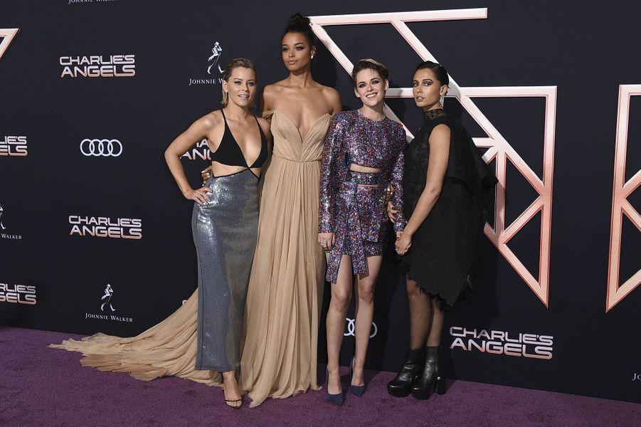Elizabeth Banks, Ella Balinska, Kristen Stewart et Naomi Scott (bijoux Messika) à l'avant-première du film «Charlie's Angels» à Los Angeles le 11 novembre 2019