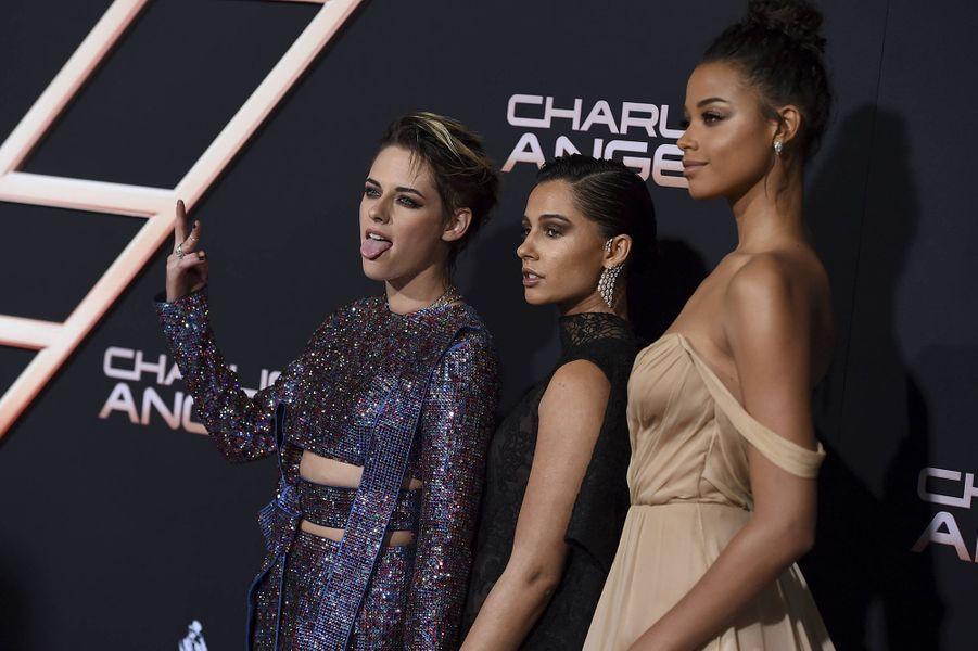 Kristen Stewart, Naomi Scott(bijoux Messika) et Ella Balinskaà l'avant-première du film «Charlie's Angels» à Los Angeles le 11 novembre 2019