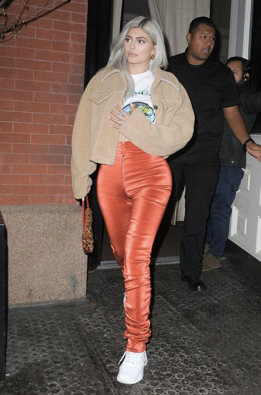 Kylie Jenner arrive au concert de Travis Scott