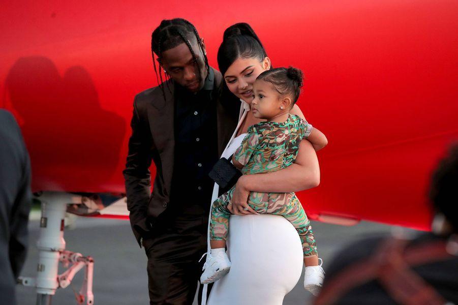 """Kylie Jenner, Travis Scott et leur fille Stormi à la première de """"Look Mom I Can Fly"""""""