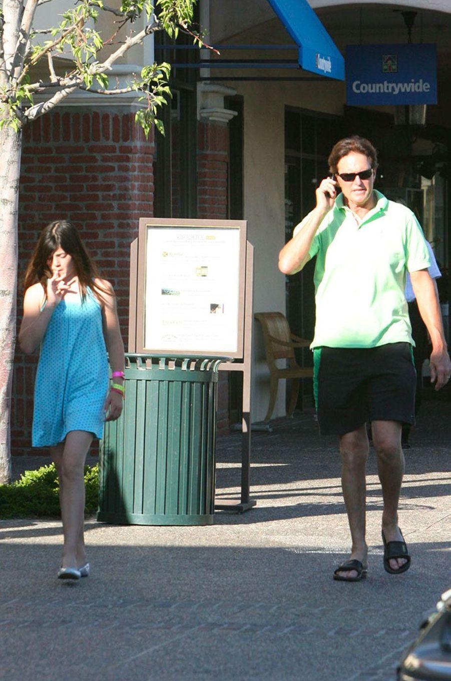 Kylie Jenner avec son père en 2008
