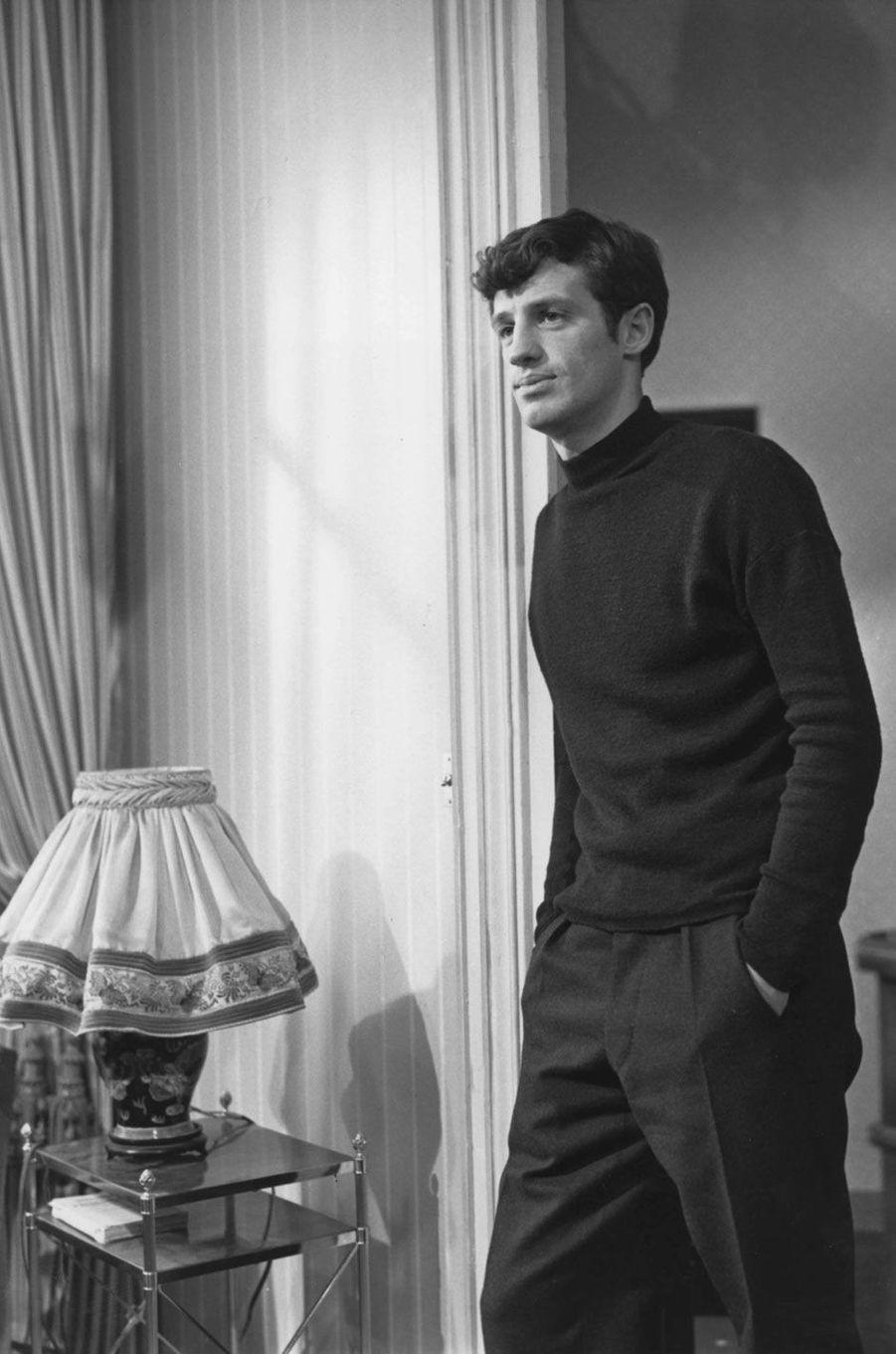 Jean-Paul Belmondo en 1964