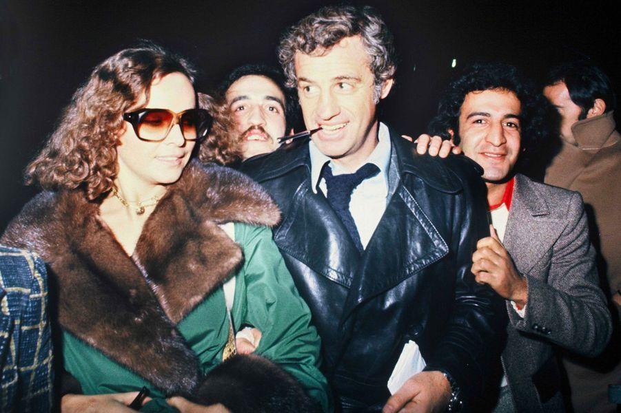 Jean-Paul Belmondo et Laura Antonelli en 1974