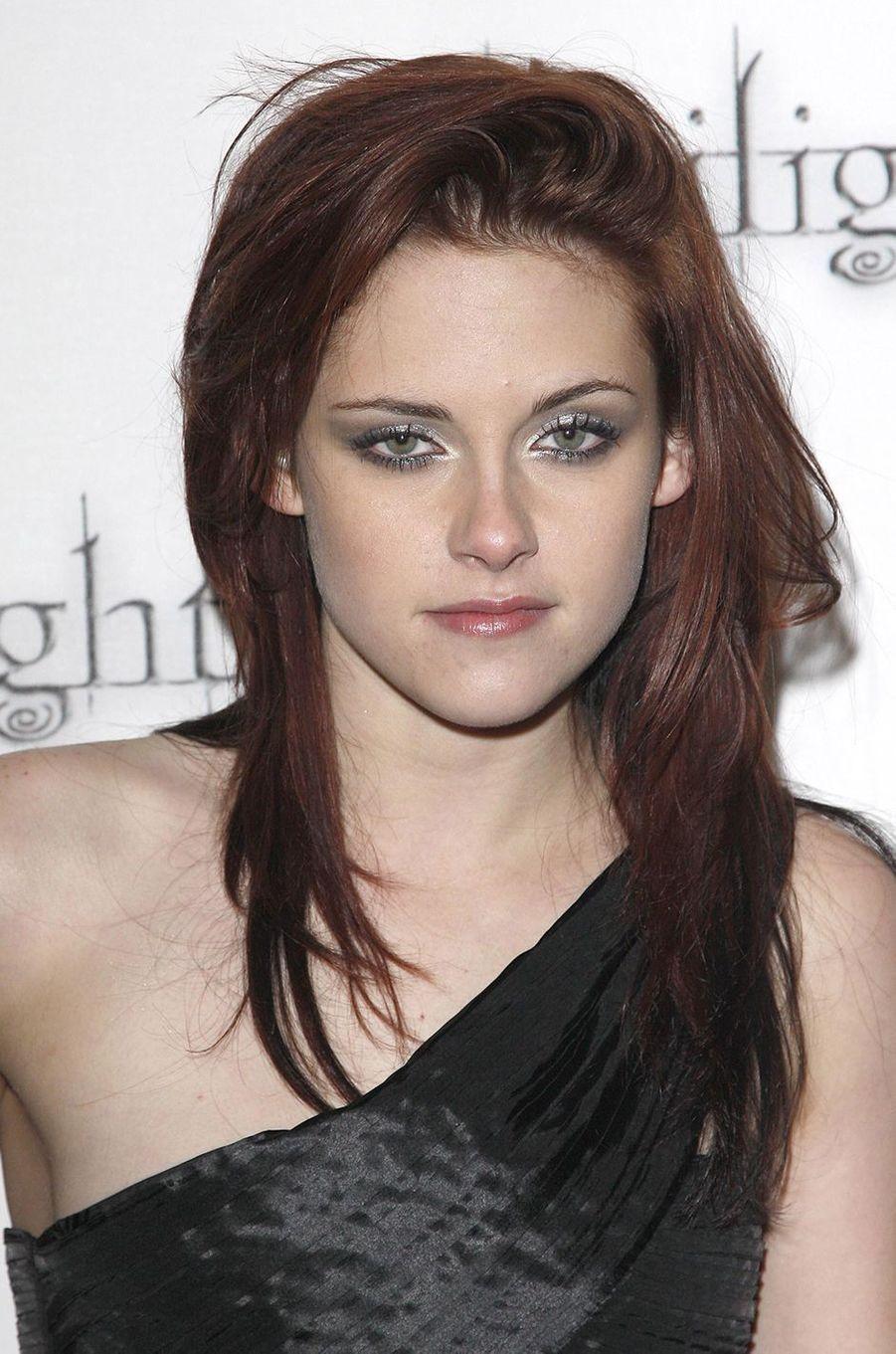 Kristen Stewart à la première de «Twilight» à Londres en décembre 2008