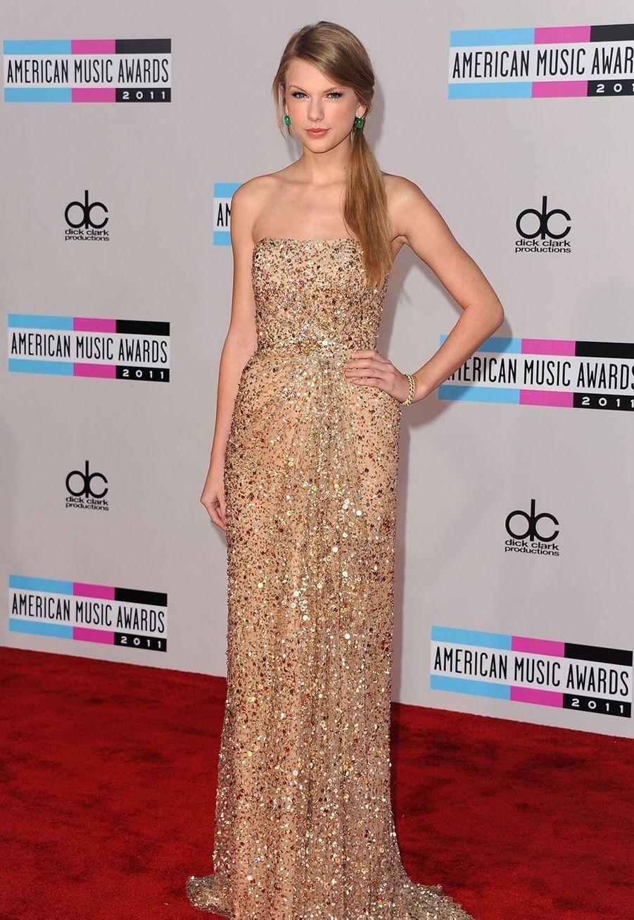 Taylor Swift lors des American Music Awards à Los Angeles le 20 novembre 2011