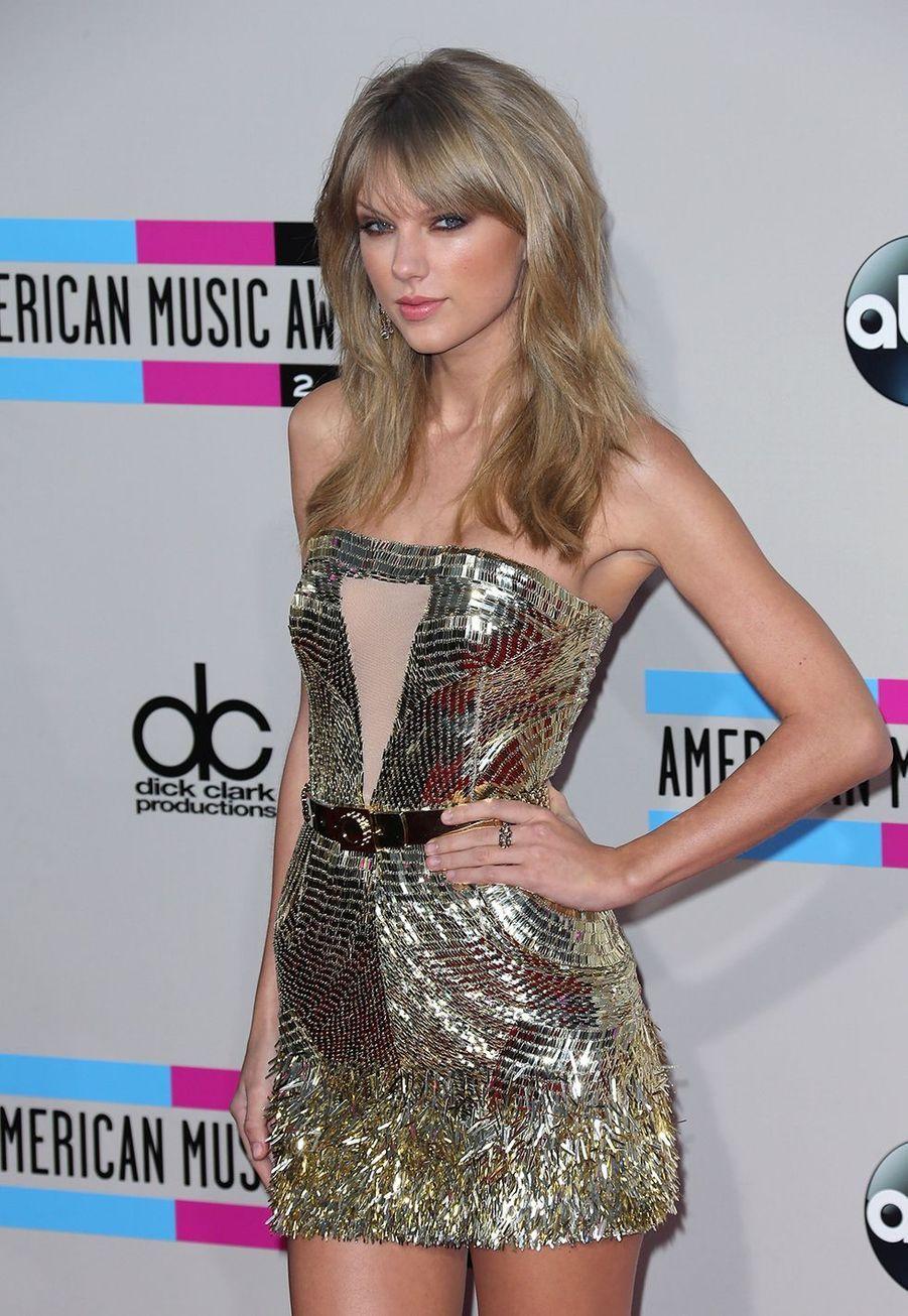 Taylor Swift lors des American Music Awards à Los Angeles le 24 novembre 2013
