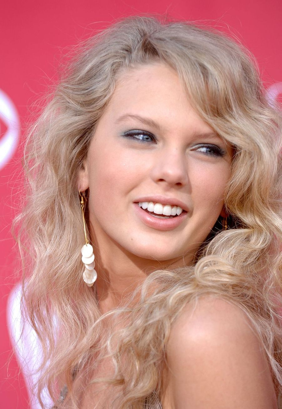Taylor Swift lors de la 41e édition desCountry Music Awards à Las Vegas le 23 mai 2006
