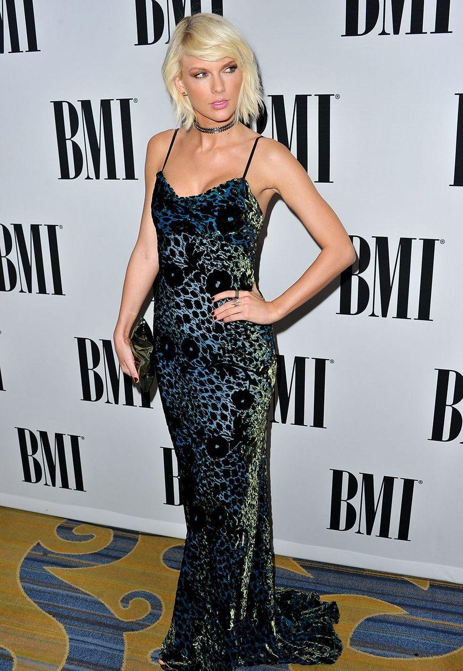Taylor Swift lors de la cérémonie des BMI Pop Awards à Los Angeles le 10 mai 2016
