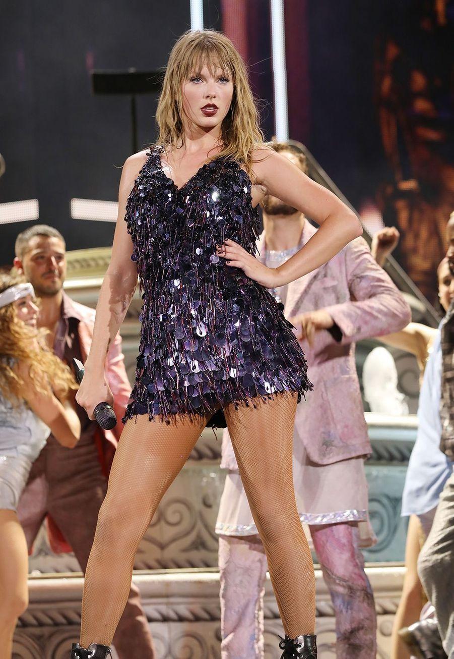 Taylor Swift sur scène lors de sa tournée «reputation» à Miami le 18 août 2018