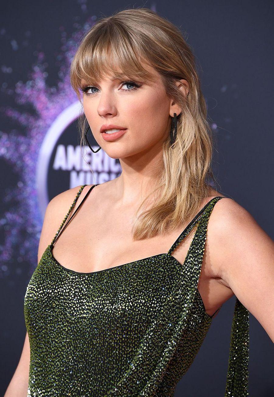 Taylor Swift à la cérémonie des American Music Awards à Los Angeles le 24 novembre 2019
