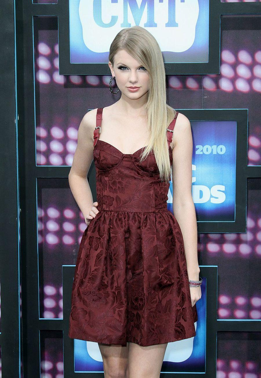 Taylor Swift lors des CMT Music Awards à Nashville le 9 juin 2010