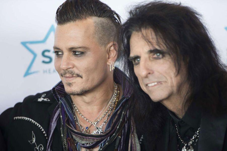 Johnny Depp, avec Alice Cooper, en juillet 2016