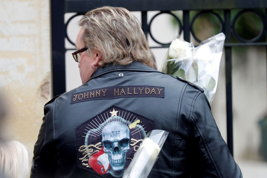 L'Hommage Populaire À Johnny Hallyday En Photos 3