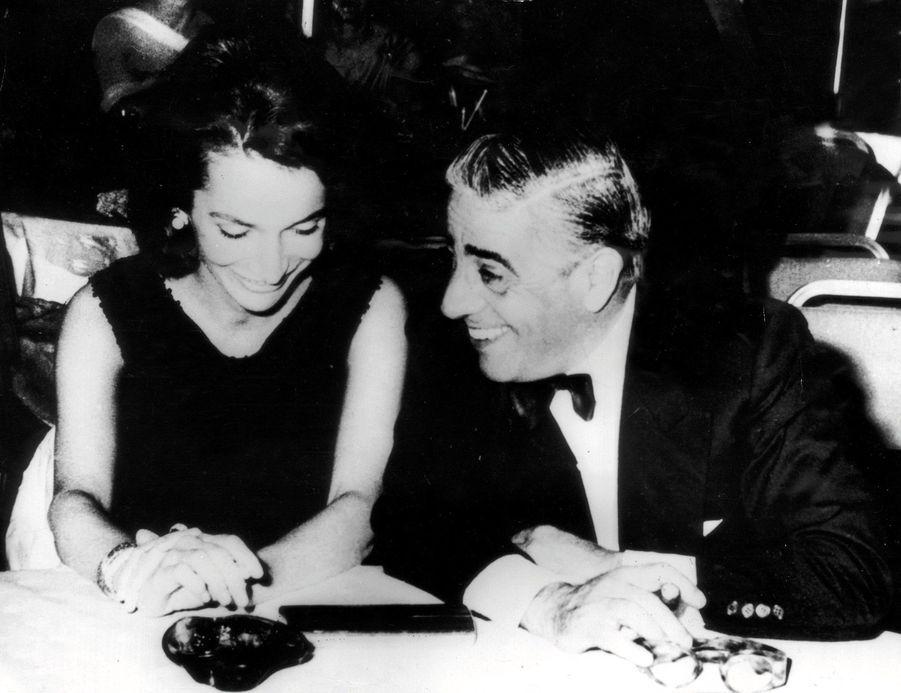 Aristote Onassis et Lee Radziwill à Athènes en 1963.