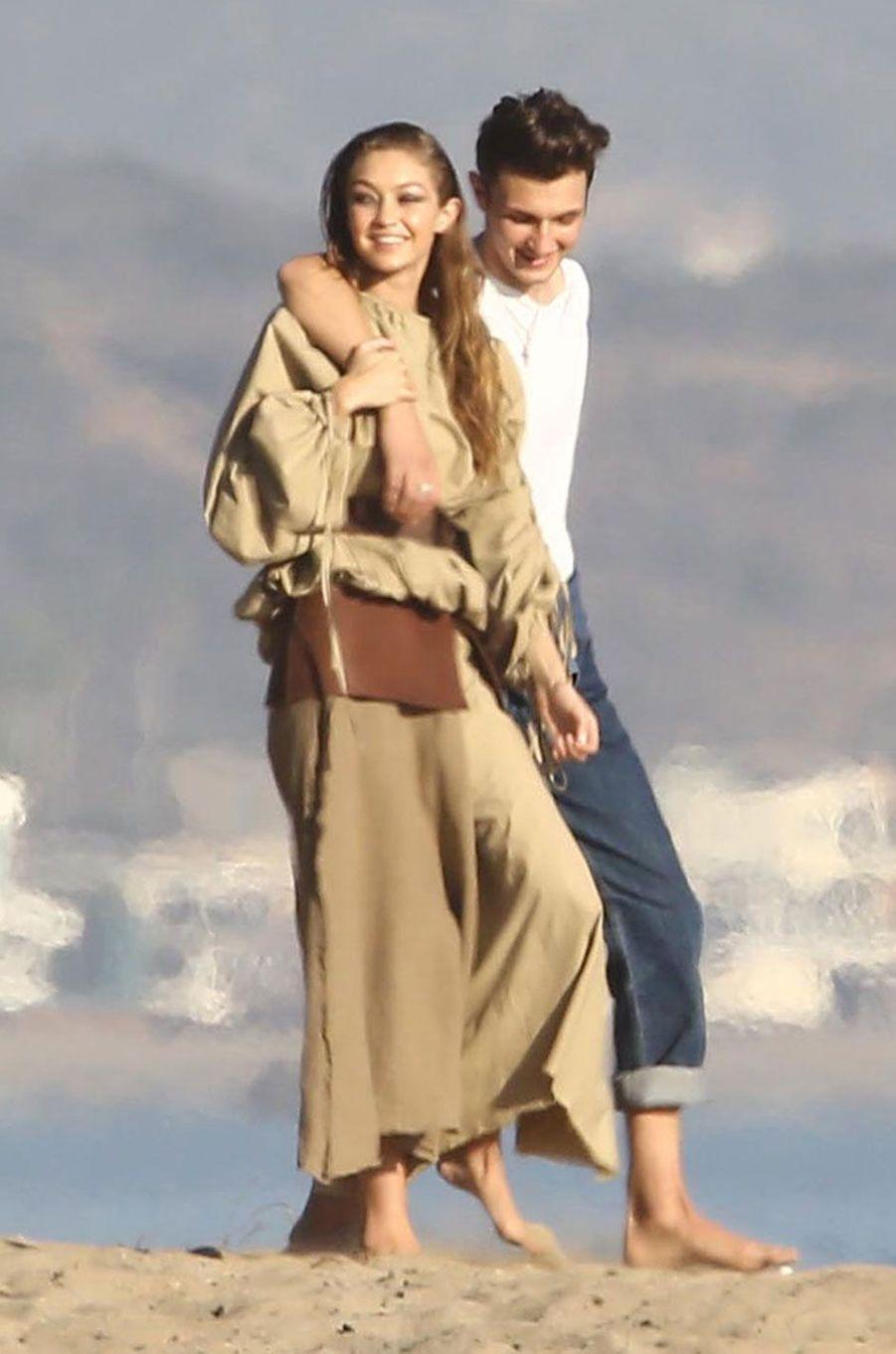 """Anwar et Gigi Hadid sur un shooting pour """"Vogue"""""""