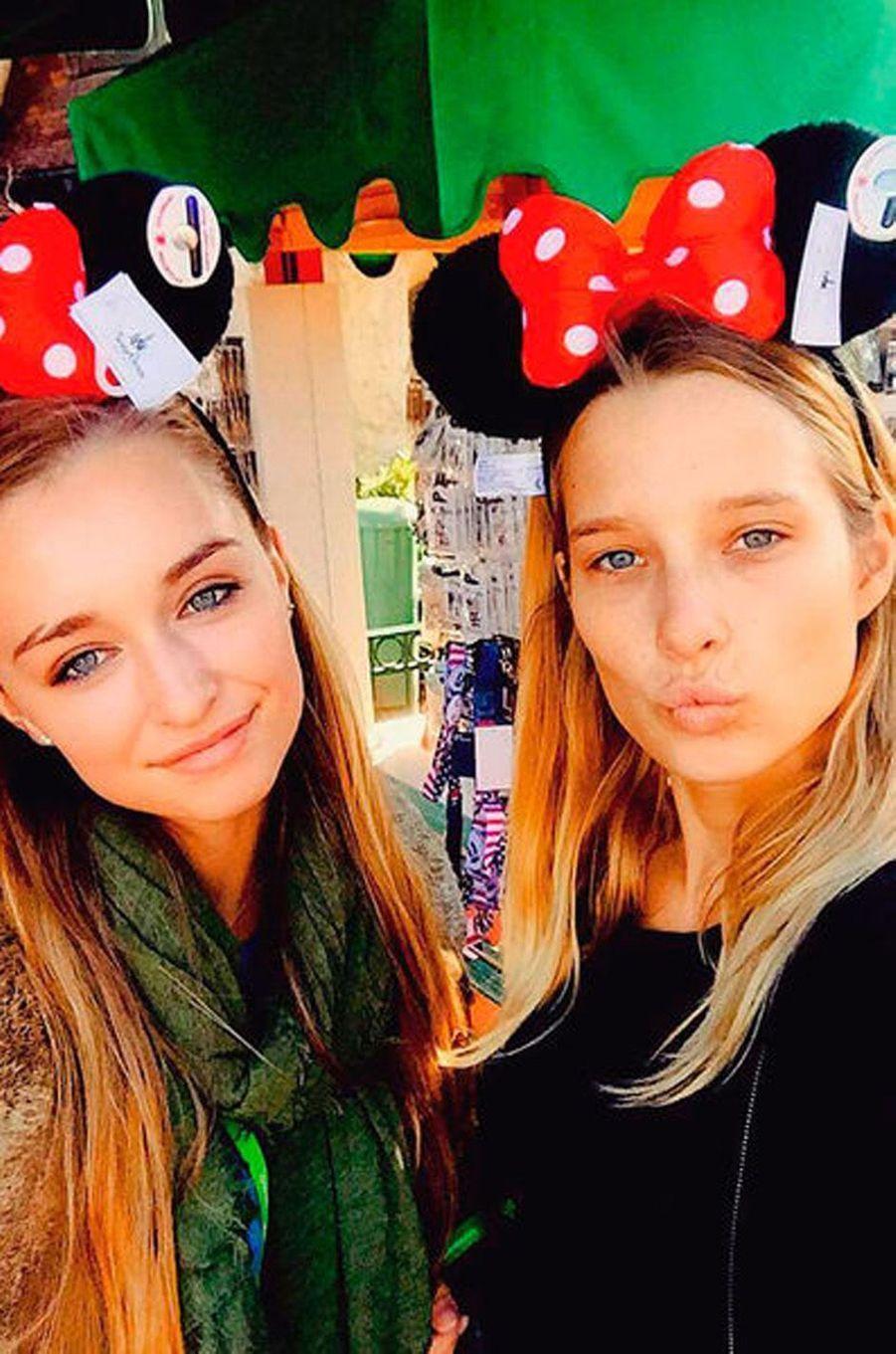 Emma Smet et sa soeur Ilona