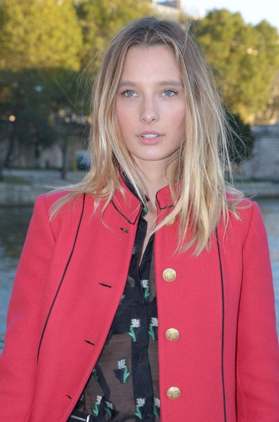 Ilona Smet à la Paris Fashion Week en septembre 2016.