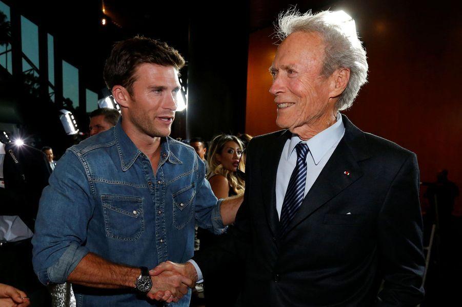 """Scott Eastwood en 2016Avec son père, Clint Eastwood, pour le film """"Sully"""""""