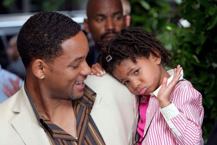 Willow Smith en 2005, avec son père Will Smith