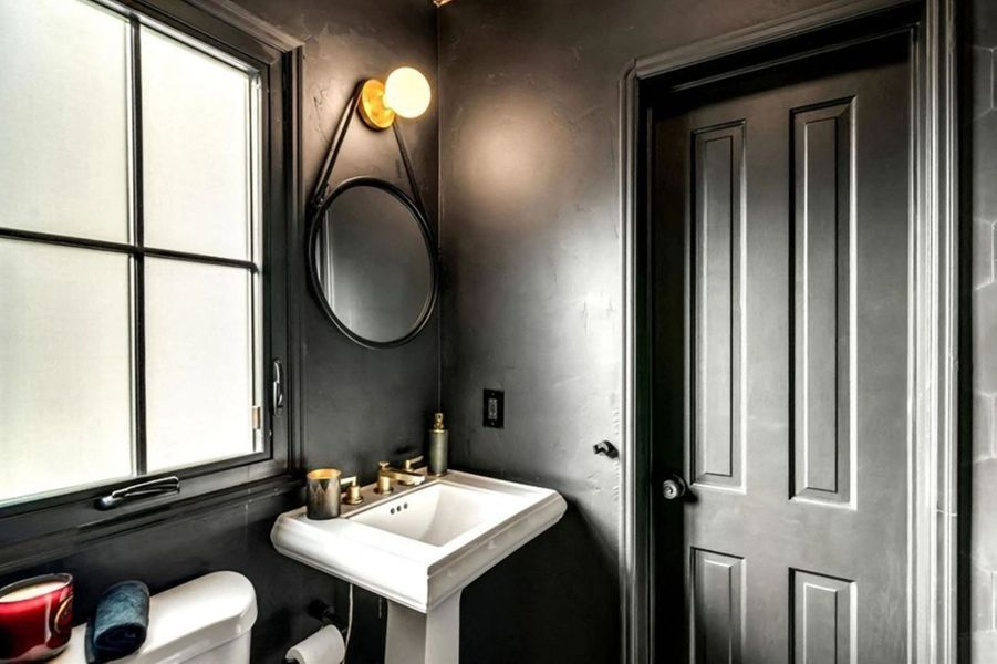 La dernière maison de Naya Rivera, située dans le quartier de Los Feliz à Los Angeles, a été mise en vente en janvier 2021 pour près de 2,7 millions de dollars