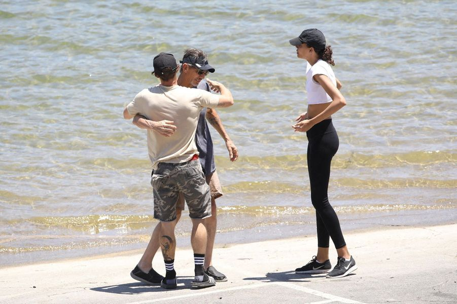 Ryan Dorsey (ex-mari de Naya Rivera) avec George (père) et Nickayla Rivera (soeur)au lac Piru le 11 juillet 2020