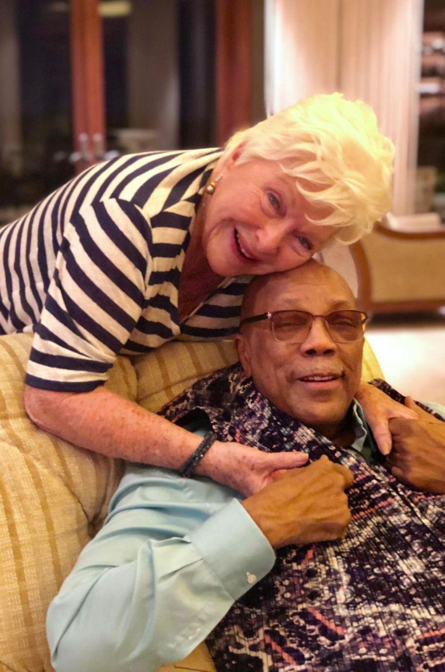 Moment de complicité avec son ami de toujours Quincy Jones.