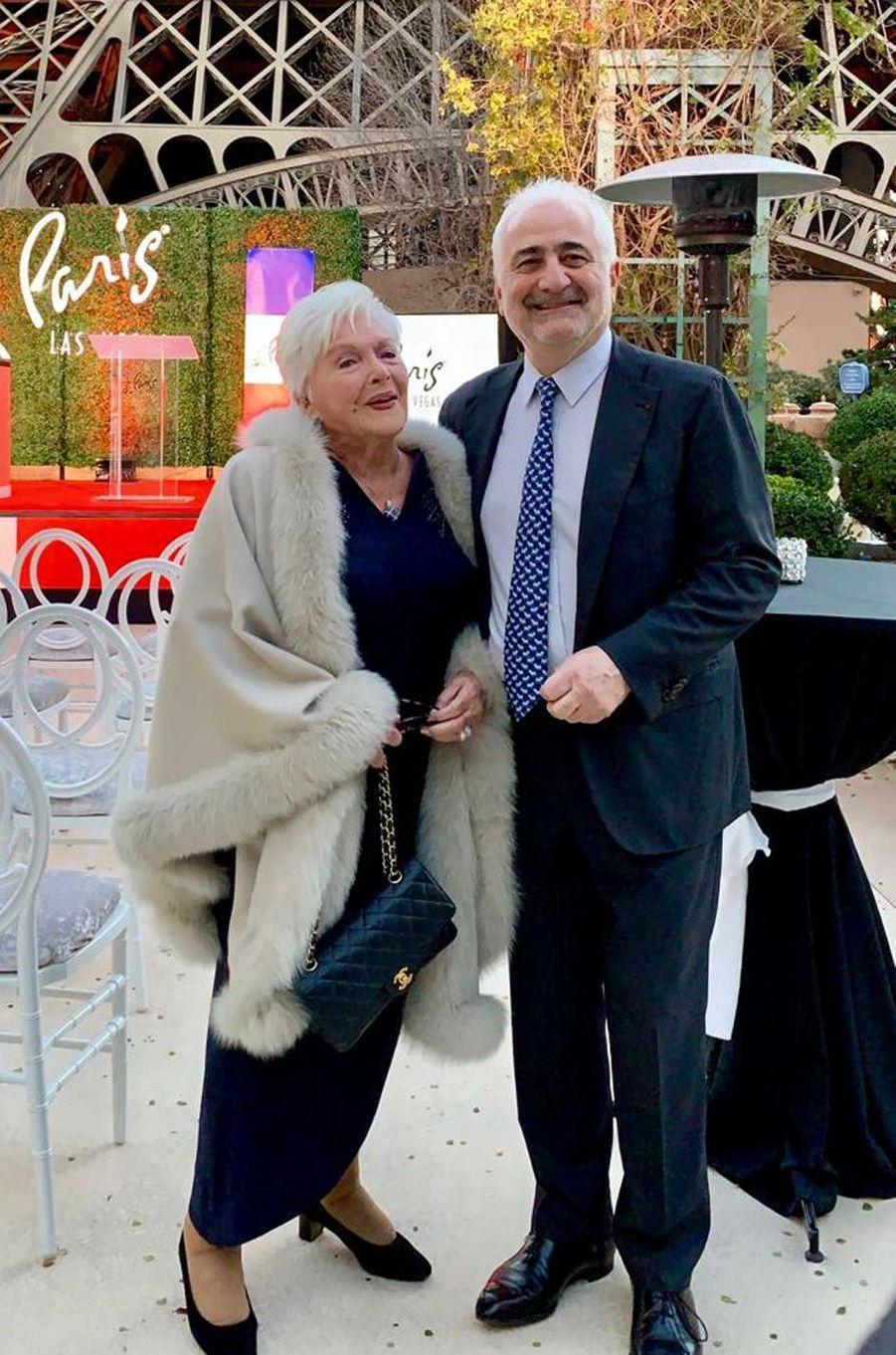 Line Renaud et le chef triple-étoilé, Guy Savoy, aux 20 ans de l'hôtel Paris Las Vegas.
