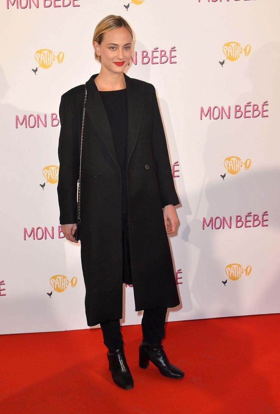 """Nora Arnezederà l'avant-première du film """"Mon bébé"""" à Paris le 11 mars 2019"""