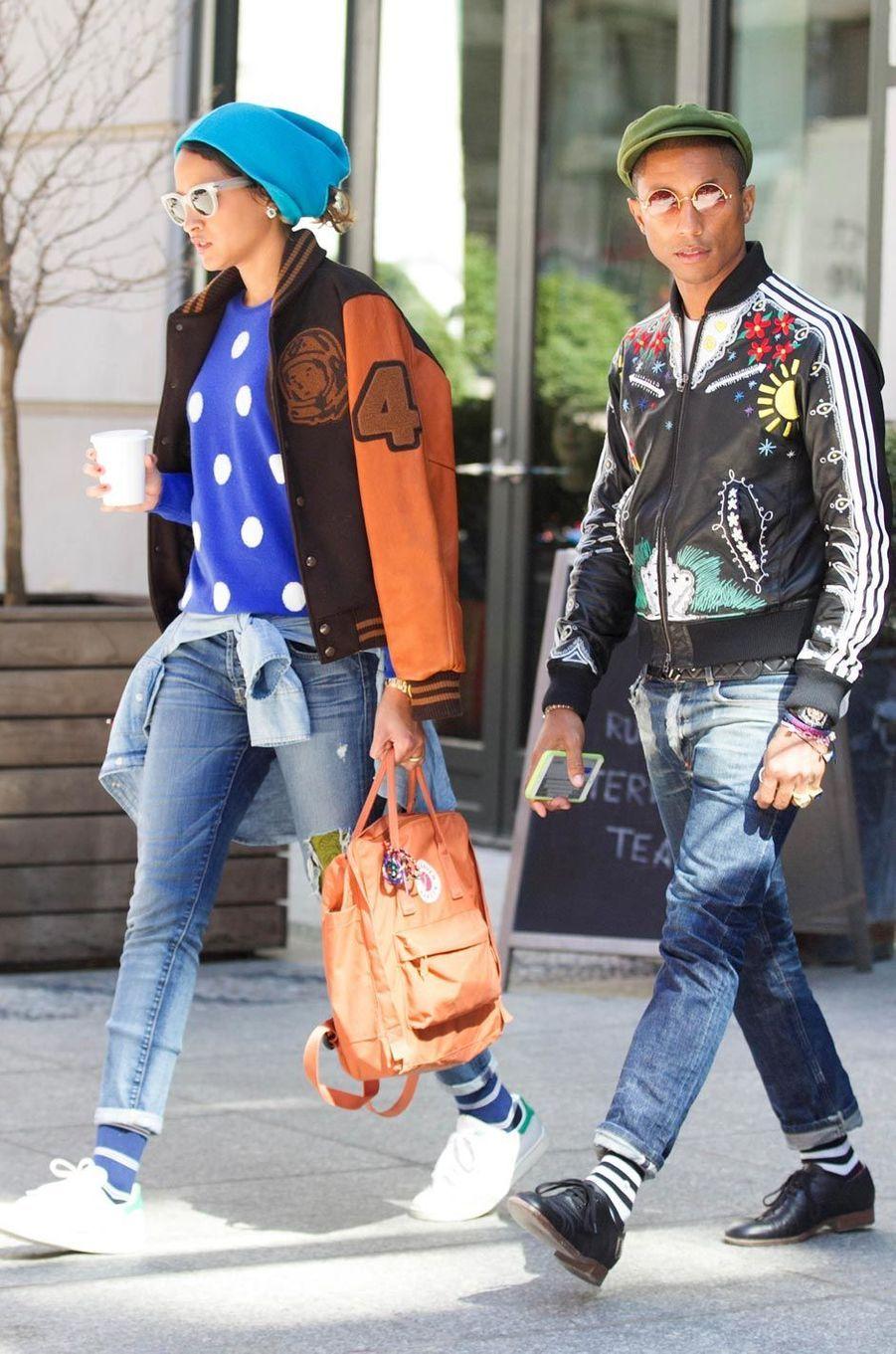 Un couple mode à New York en avril 2015.